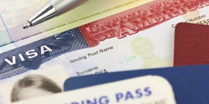 Réduction de la durée des visas E2 et E1 à 25 mois (au lieu de 5 ans)